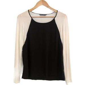 Decjuba Size Medium  Black & White Long Sleeve Top